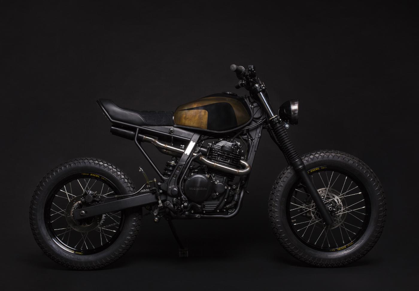 moto honda nx 650 dominator scrambler cafe racer préparation ATELIER MEDUSA